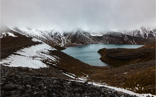 Tama Lake with fog and snow - North Island hikes